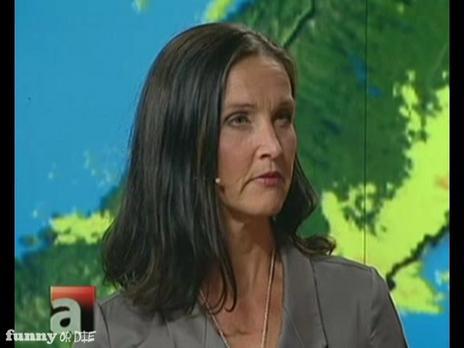 Är Pia Hultgren emo eller goth? - Aktuellt | PopScreen