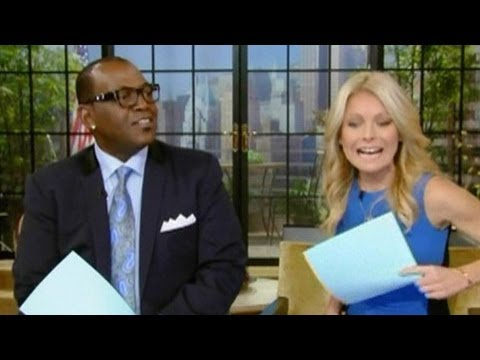 Kelly Ripa's Fashion Faux Pas | PopScreen