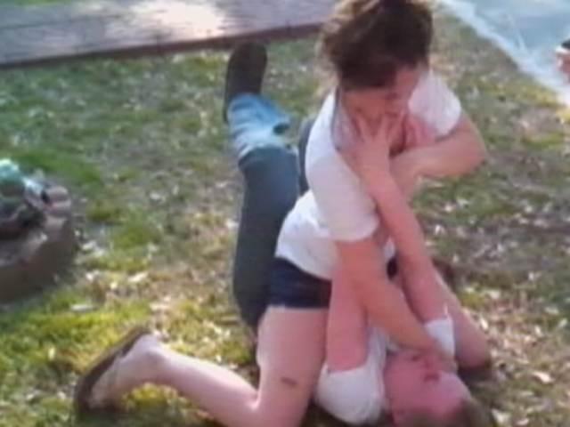 Caught on tape: Girls fighting girls   PopScreen