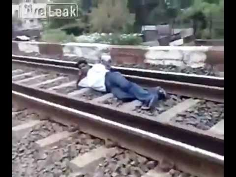 Crazy indian train stunt popscreen