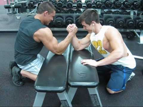 Young Bodybuilders Arm Wrestling | PopScreen